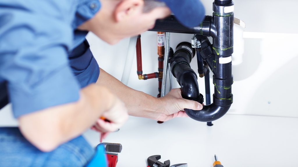 247Plumber-pretoria-inspecting-water-leak